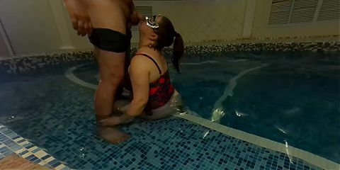 fucked mature milf in the pool