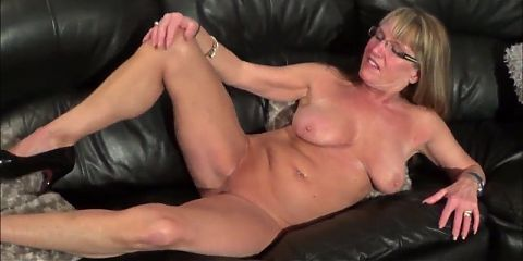 Fully Nude Mature
